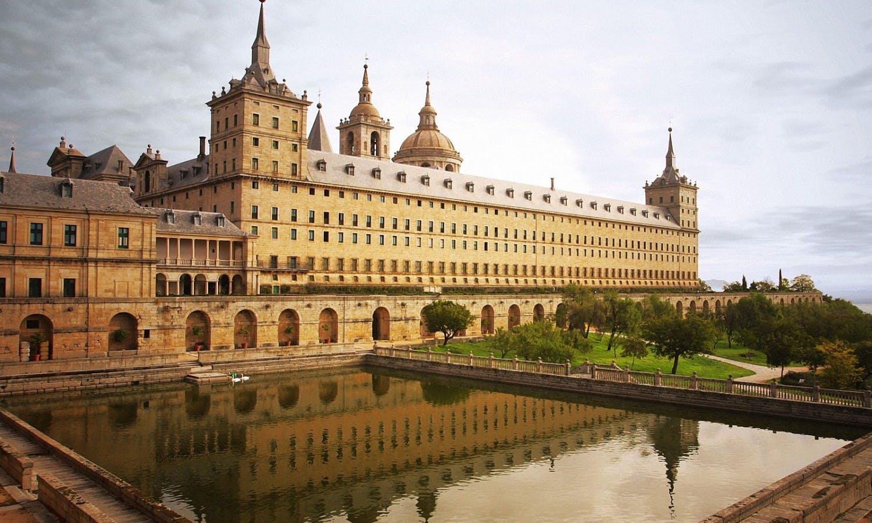 Una veduta di El Escorial, la residenza fatta costruire da Filippo II